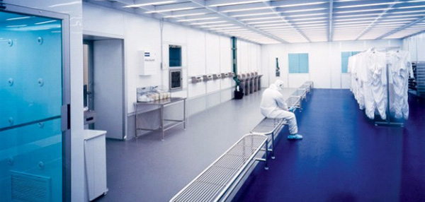 cleanroom-gowning-area-600